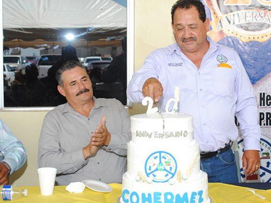 Parten pastel por aniversario de la Planta Cohermez