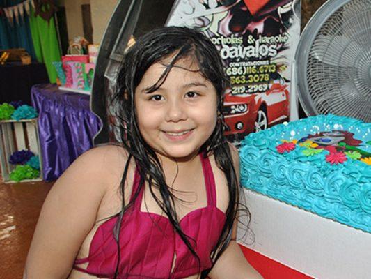 """Valentina disfruta su festejo de """"Ariel"""""""