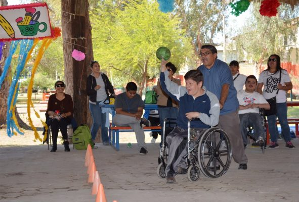 Apoya Dif a personas con discapacidad