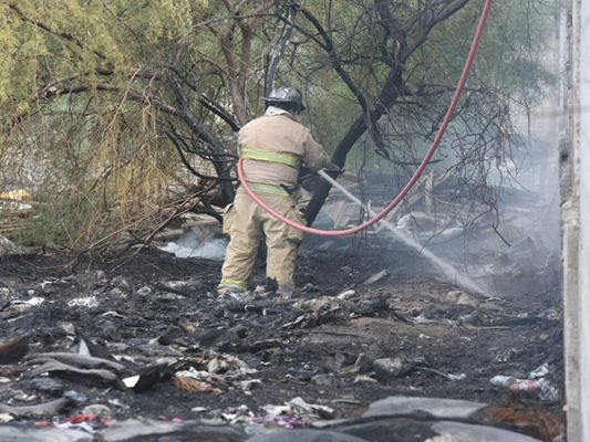 Evacuan guardería por incendio de maleza