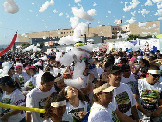 Miles participan en Corre con Espuma 2017