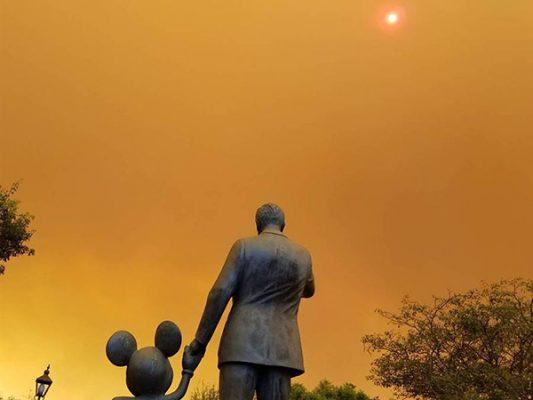 Así se vivió en Disneyland incendios de California