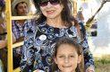 Cachita Prieto y la pequeña Clarisa.