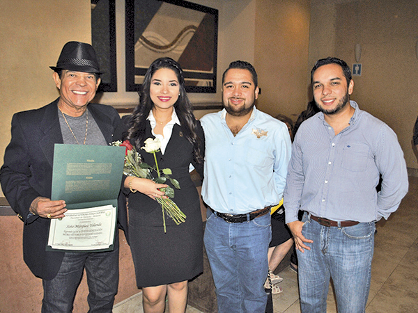 Rodolfo Soto, la graduada, Rodolfo Soto Jr. y David Pantoja.