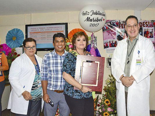 Se jubila Maribel García