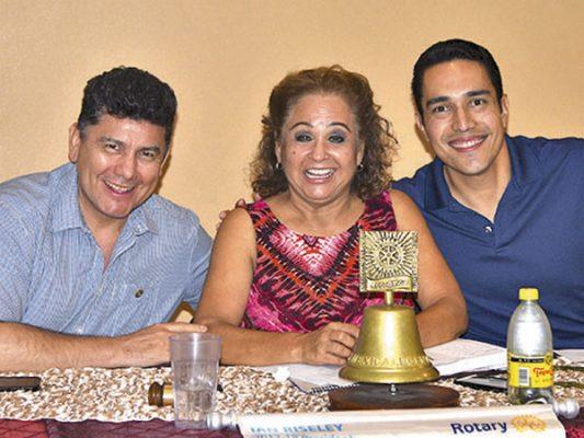 Guillermo Magdaleno, Ofelia Montes y Max Salazar.
