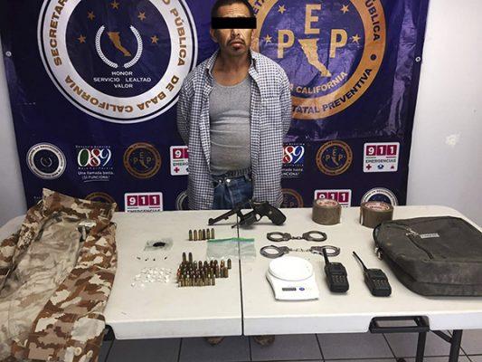 Decomisa PEP arma, cartuchos y droga en Maneadero