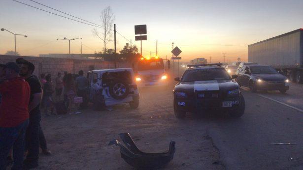 Deja carambola sustos y cuantiosos daños a 8 vehículos