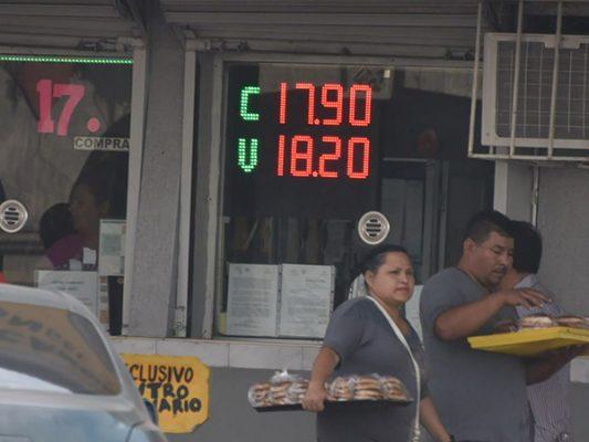 Dolár se vende en 18.20 en promedio