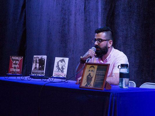 """Presenta Joaquín Pineda sus """"parábolas de un artista estresado"""""""