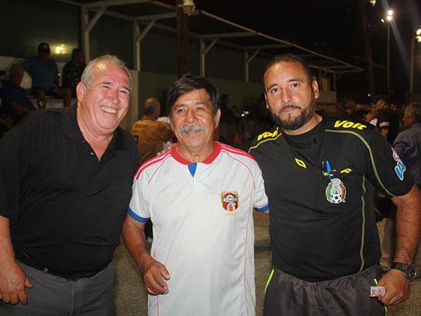 La Liga de Futbol Platino celebra su segundo aniversario promoviendo el deporte.