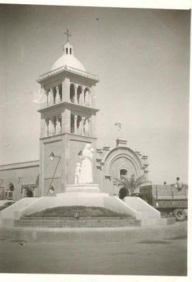 La Inmaculada Concepción SLRC, con una torre en 1960