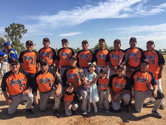 Vienen de atrás para vencer a los Increíbles en la Liga de Beisbol de Súper Máster