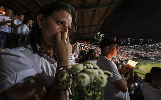 Homenajean a familiares de víctimas del Chapecoense a casi un año de tragedia