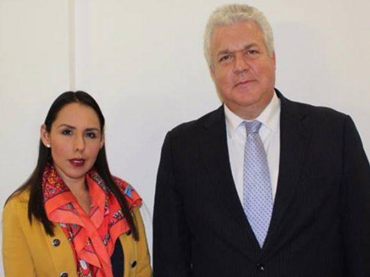 Buscan a 20 ecuatorianos perdidos