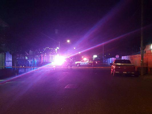 Balacera en taller deja 1 muerto y 2 heridos
