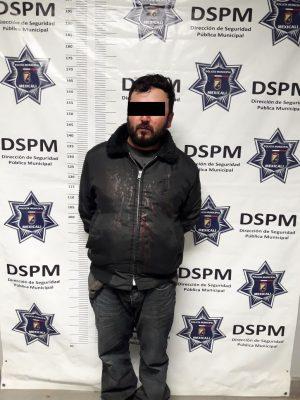 Rijoso sujeto es detenido con arma de fuego
