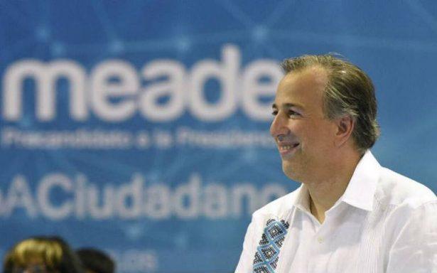 Meade promete aumento a salario y prestaciones de maestros