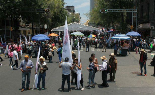 Campesinos marchan en la CDMX contra recortes presupuestales
