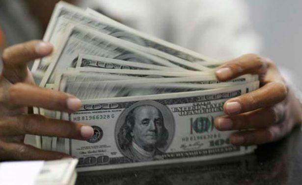 Dólar con e una jornada al alza, se vende hasta en 18.38 pesos en bancos