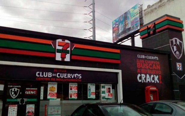 Club de Cuervos 'busca' reclutas en Puebla