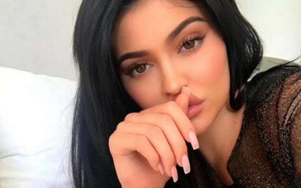 Kylie Jenner enternece las redes con primera foto de su bebé