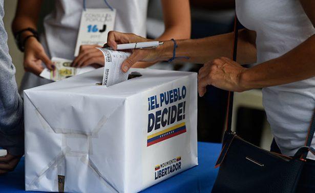 Votan venezolanos en consulta opositora sobre Constituyente