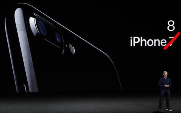 Llegan los memes para borrar sufrimiento por costo del nuevo iPhone X
