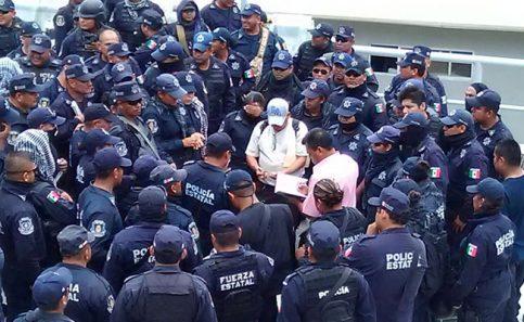 Policía Estatal en Guerrero realiza paro de labores