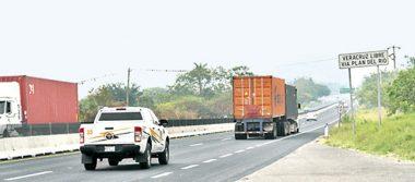 Roban hasta 3 tráileres al día en carreteras  de Veracruz