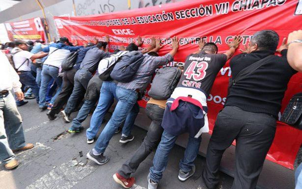 CNTE presiona sin éxito la renegociación de la reforma educativa