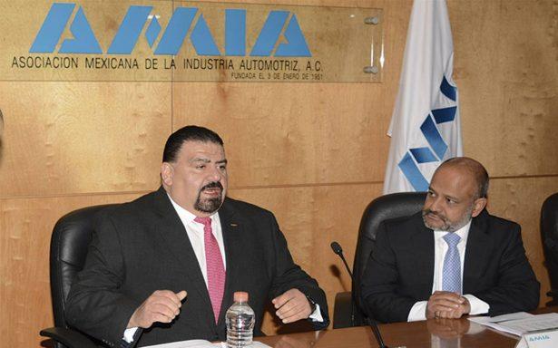 Venta de autos y camiones cae 8.5% en noviembre, revela AMDA