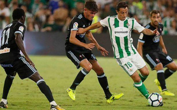 Andrés Guardado juega donde DT del Betis lo requiera