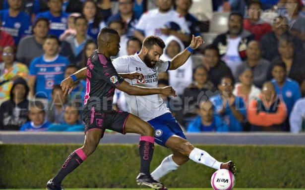 Cruz Azul vence a Querétaro de visitante con dos goles de penal