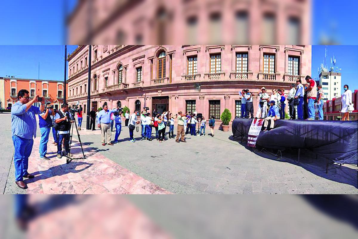Periodistas de Coahuila se manifiestan contra agresiones