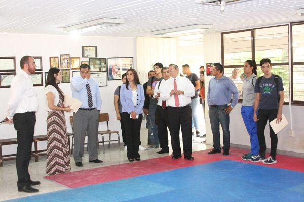 Alumnos de taekwondo piden al rector de la ua de c for Gimnasio ua