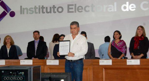 Recibe Miguel Ángel Riquelme constancia de mayoría en Coahuila