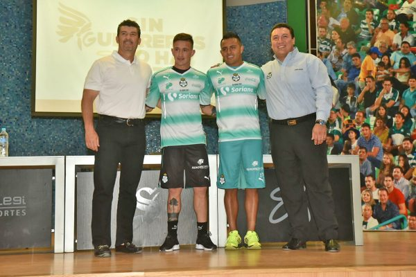 Santos presenta a sus refuerzos