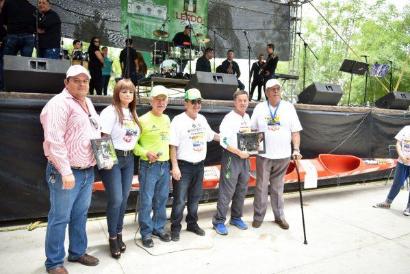 María Luisa González Achem se compromete a gestionar terreno para escuela de canotaje