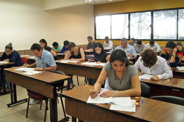 INE aplica examen para el Servicio Profesional Electoral Nacional