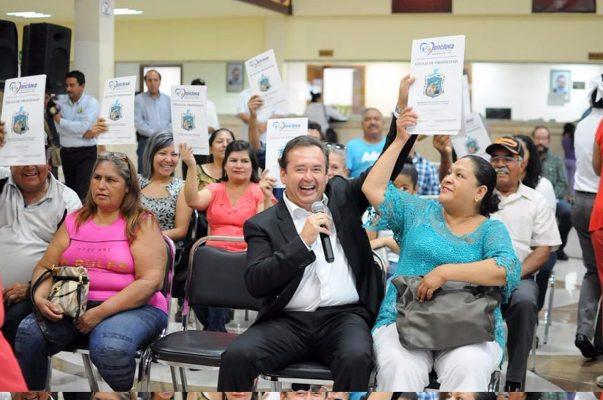 Entregan escrituras a más de 40 ciudadanos de Monclova