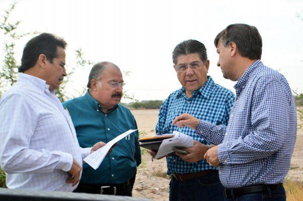 Acompañados por el director de Obras Públicas, Gerardo Berlanga Gotés, representantes del sector empresarial supervisaron obras de infraestructura programadas por el Comité Técnico del ISN.