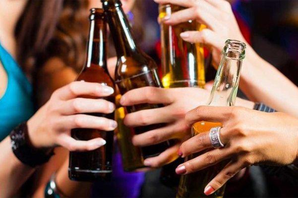Según datos del OMS, el número de adolescentes dependientes del alcohol se incrementó de 2.1 a 4.1 por cuento.