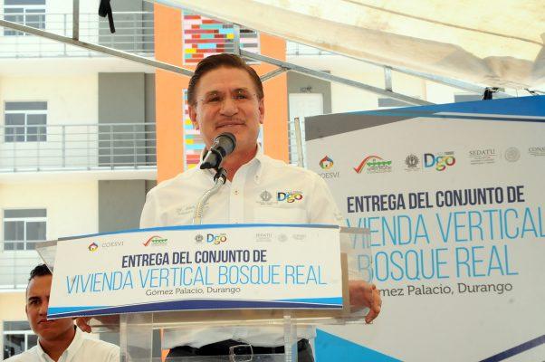 Mayor apoyo ofrece a los gomezpalatinos el gobernador José Aispuro Torres.
