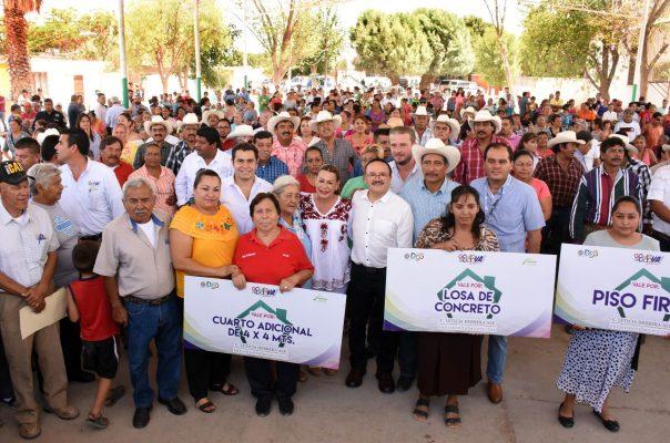 Apoyo para cuartos adicionales entregó la alcaldesa Leticia Herrera y el secretario de Desarrollo Social, Marcos Cruz.