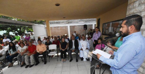 Samir Rivera González, presidente honorario del DIF, dijo que se continuará con la actitud de servir a los adultos mayores.