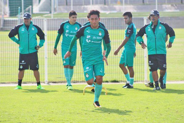 Rayados toma el superliderato tras golear al Toluca