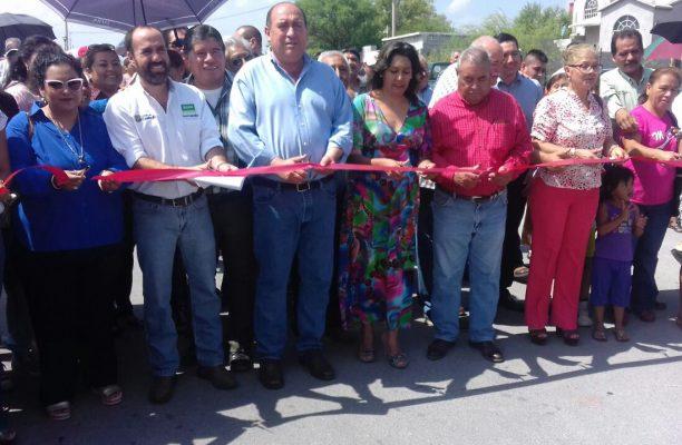 Continúa el Estado obras de pavimentación en Castaños