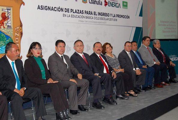 Asignan plazas en educación básica en Coahuila