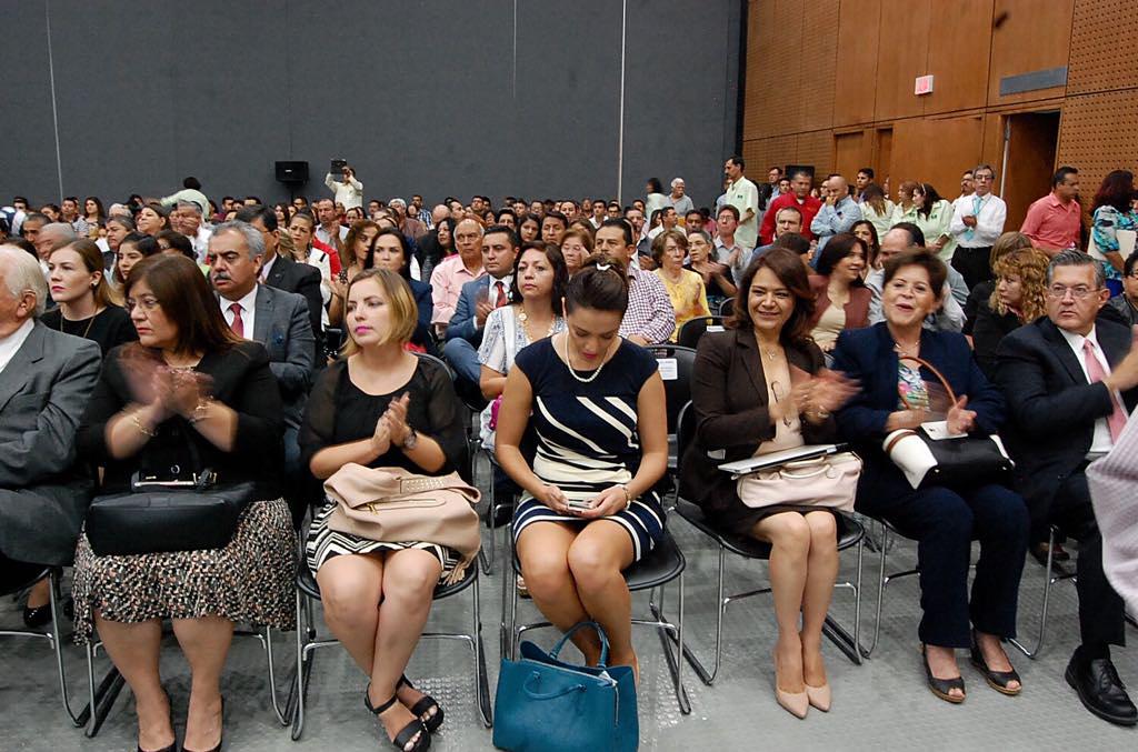Asignan más de mil 070 nuevas plazas a maestros coahuilenses